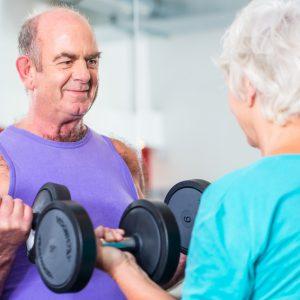 Dit is waarom krachttraining beter is dan cardio, ook op latere leeftijd!